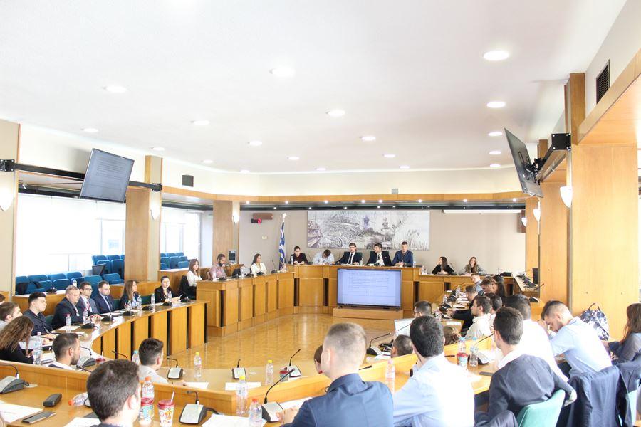 Ολοκληρώθηκαν οι διεργασίες του 1ου Περιφερειακού Συμβουλίου Νέων στη Λάρισα (φωτο)