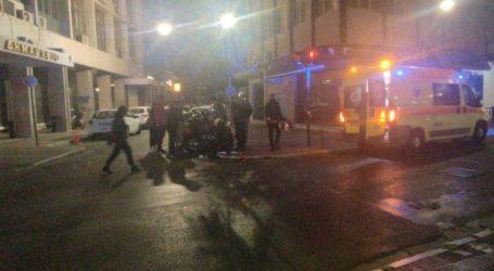 Τροχαίο με αυτοκίνητο και μηχανάκι στο κέντρο της Λάρισας – Στο Νοσοκομείο ο αναβάτης (φωτο)