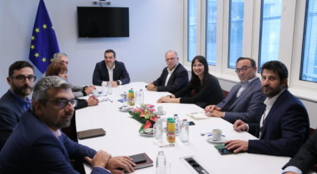 ΣυνάντησηΤσίπρα με την Ευρωομάδα του ΣΥΡΙΖΑ – Συμμετείχε ο Αλέξης Γεωργούλης