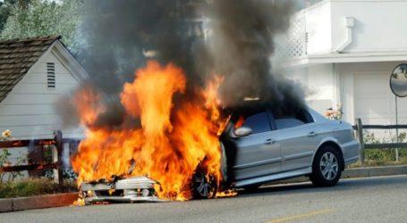 Αυτοκίνητο τυλίχτηκε στις φλόγες εν κινήσει στη Λάρισα – Λαχτάρησε ο οδηγός