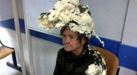 Γιαγιά μπέρδεψε αφρό μαλλιών με μονωτικό οικοδομικών υλικών