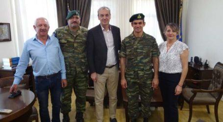 Ο νέος Διοικητής του ΚΕΟΑΧ στο Δήμαρχο Ελασσόνας