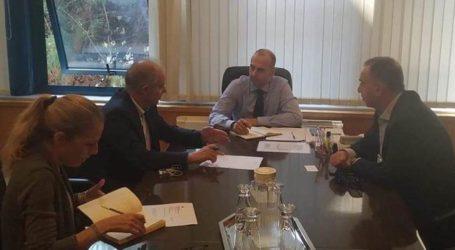 Συνάντηση Υπουργού Υποδομών Κ. Καραμανλή με τον Δήμαρχο Τεμπών και τον Χρ. Κέλλα