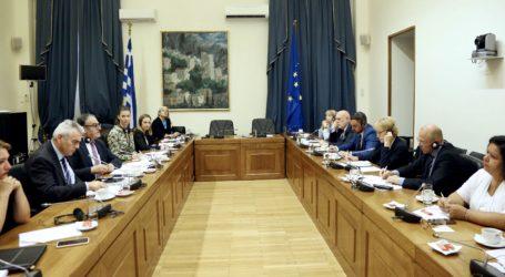 Χαρακόπουλος προς Τσέχους βουλευτές: Να αναλάβουν οι Ευρωπαίοι τις ευθύνες που τους αναλογούν στο μεταναστευτικό!