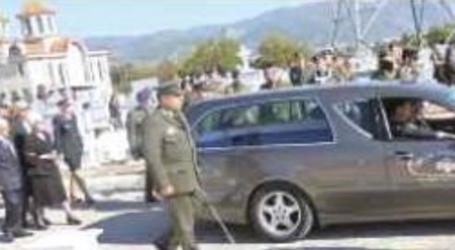 Πάνδημο «τελευταίο αντίο» σε Ελασσονίτη στρατιωτικό που «έφυγε» στα 48 του από σπάνια ασθένεια (φωτο)