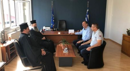Επίσκεψη του Μητροπολίτη Ελασσόνας στο δημαρχείο Τυρνάβου