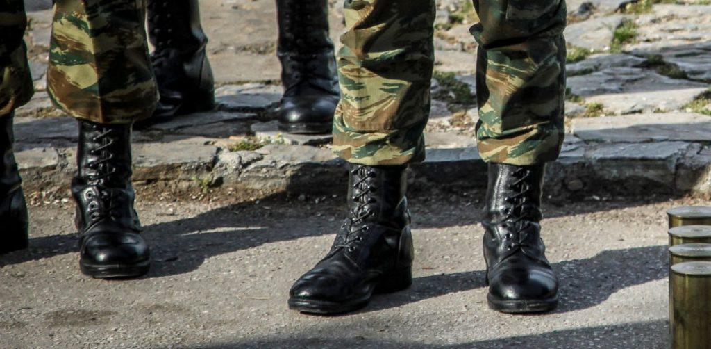 Επίθεση από άντρα σε γυναίκα στρατιωτικό • Tvkosmos