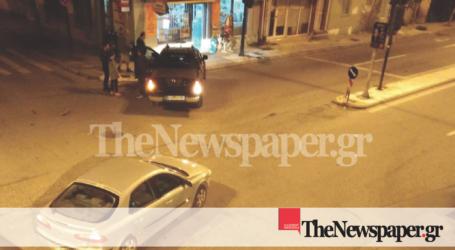 ΤΩΡΑ: Τροχαίο ατύχημα με δύο ΙΧ στον Βόλο [εικόνες]