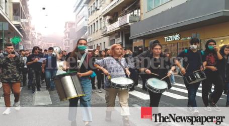 «Όχι» στην αέρια ρύπανση φώναξαν εκατοντάδες μαθητές του Βόλου [εικόνες]