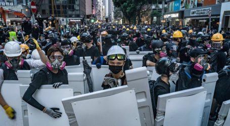 Χρήση δακρυγόνων στη συγκέντρωση χιλιάδων διαδηλωτών στο Χονγκ Κονγκ