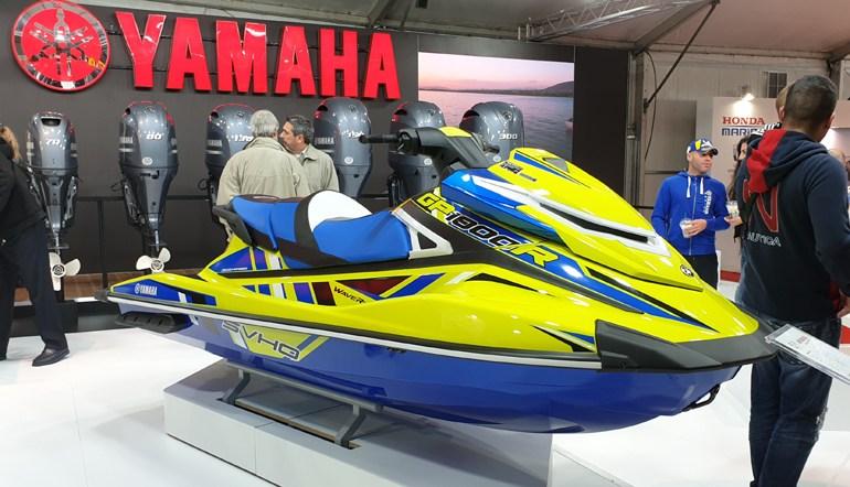 Το MY2020 του Yamaha GP1800R σε χρώματα που σίγουρα δεν θα το κάνουν να περνά απαρατήρητο...
