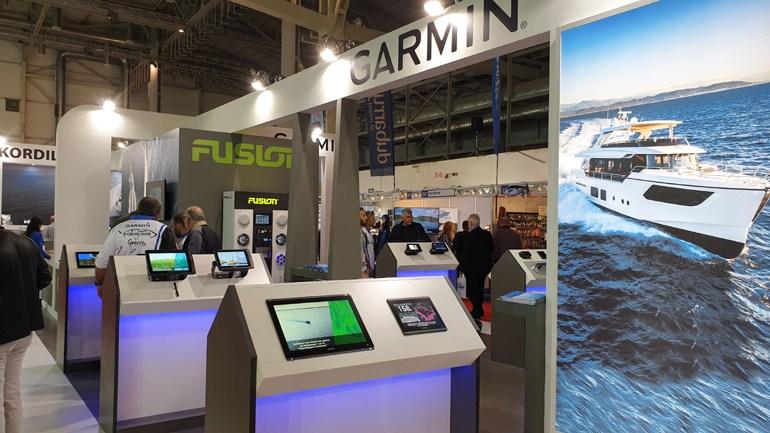 Φουλ... τεχνολογία στο περίπτερο της Garmin
