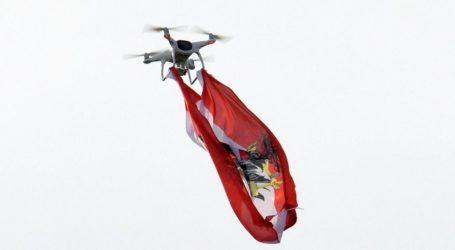 «Χειροπέδες» στους τρεις του Ολυμπιακού Βόλου που πέταξαν drone με σημαία της ομάδας στο γήπεδο