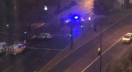 Συναγερμός στο Λονδίνο για ύποπτο όχημα σε γέφυρα