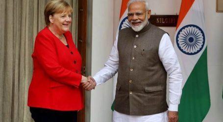 Στην Ινδία η Μέρκελ