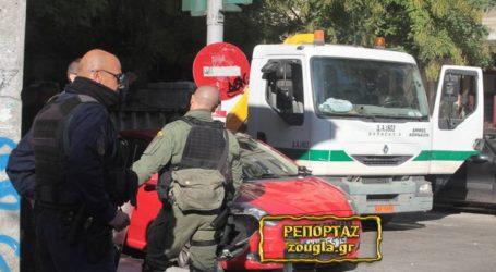 Έκλεψαν τα κλειδιά φορτηγού του Δήμου Αθηναίων στην αστυνομική επιχείρηση στο Πεδίον του Άρεως