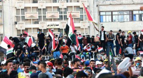 Ένας νεκρός και 91 τραυματίες σε νέες συγκρούσεις μεταξύ διαδηλωτών και αστυνομικών