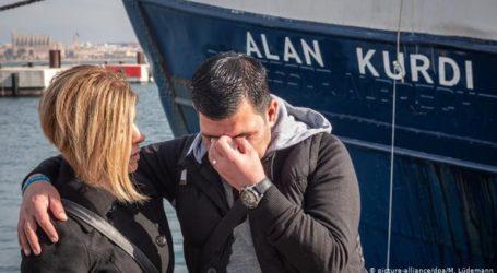 88 μετανάστες αποβιβάστηκαν στο λιμάνι του Τάραντα