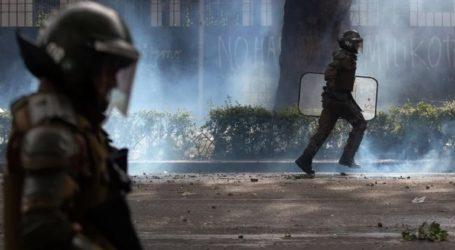 Πανικό εν μέσω διαδηλώσεων προκάλεσε ο σεισμός
