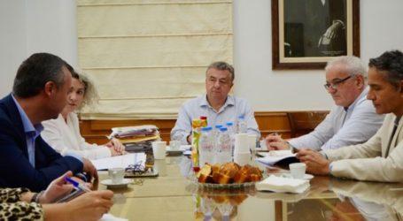 Σύσκεψη στην Περιφέρεια Κρήτης για τις δομές υγείας του νησιού
