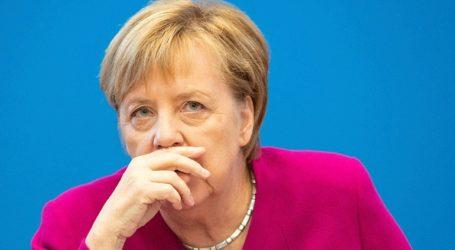 Η Μέρκελ μιλάει για τη Δημοκρατία της Γερμανίας και την ελευθερία έκφρασης