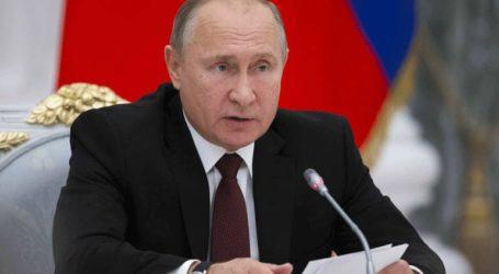 Ο Πούτιν υπέρ της δημιουργίας μιας ρωσικής εναλλακτικής της Wikipedia