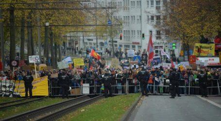 Πορεία στο Μπίλεφελντ από ακροδεξιούς και αντιφασίστες