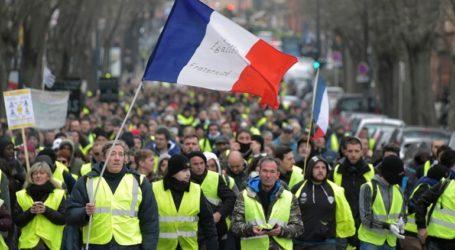 Γαλλία: Τα «κίτρινα γιλέκα» επιστρέφουν