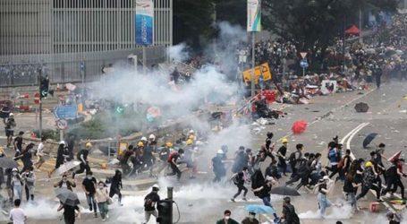 Η Ουάσινγκτον στηλιτεύει την «αδικαιολόγητη χρήση βίας» στο Χονγκ Κονγκ