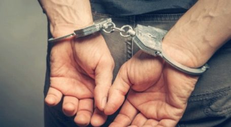 Συνελήφθησαν πέντε μέλη σπείρας που διακινούσε λαθραία καπνικά προϊόντα στον Πειραιά