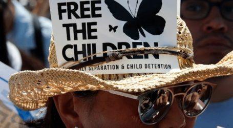 Περισσότερα από 100.000 παιδιά βρίσκονται υπό κράτηση στις ΗΠΑ σε σχέση με τη μετανάστευση
