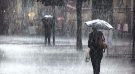 Έντονη βροχόπτωση στη Χαλκιδική – Πυροσβέστες απεγκλώβισαν δύο γυναίκες