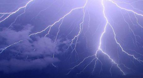 Περισσότεροι από 1.200 κεραυνοί και σημαντικά ύψη βροχής έπεσαν σε Αττική και Βοιωτία