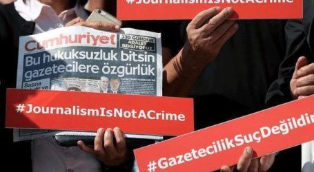 Δικαστήριο διατηρεί τις καταδίκες 12 πρώην δημοσιογράφων της Cumhuriyet