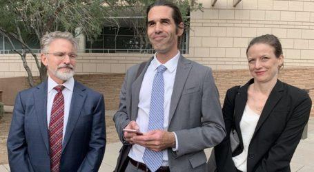 Αθωώθηκε καθηγητής που βοήθησε δύο μετανάστες στα σύνορα