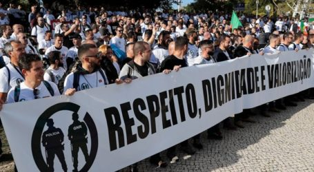 Διαδήλωση αστυνομικών για αυξήσεις και καλύτερες συνθήκες εργασίας
