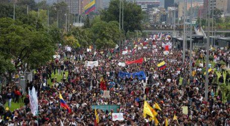 Χιλιάδες διαδηλωτές στους δρόμους κατά της κυβέρνησης