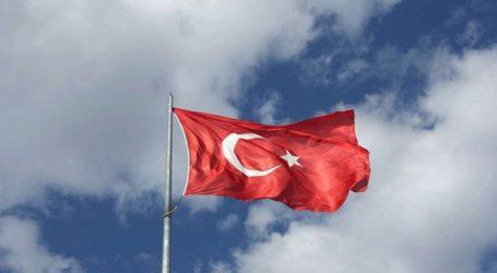 Περίπου 70 Σύροι πρόσφυγες επέστρεψαν από την Τουρκία στην πόλη Ρας αλ Άιν