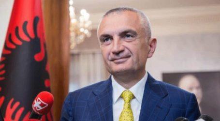 Η Αλβανία ολισθαίνει σε δικτατορία