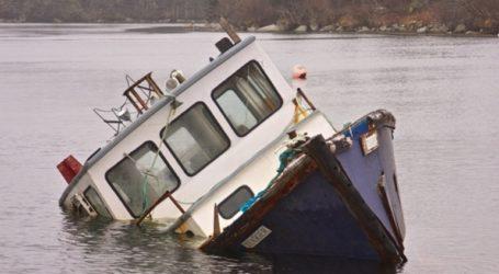 Δύο ψαράδες πνίγηκαν, άλλοι 14 αγνοούνται μετά τη βύθιση αλιευτικού