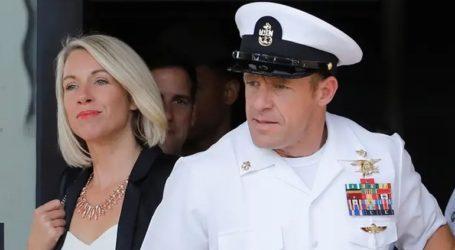 Το Πολεμικό Ναυτικό αγνοεί τις παρεμβάσεις του Τραμπ και συνεχίζει τη διαδικασία απόταξης καταδρομέα
