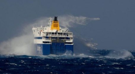 Ελεγχόμενη εισροή υδάτων σε δύο κενές δεξαμενές του «Βlue Star Naxos»