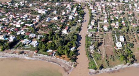 Εναέριες εικόνες-σοκ από την πλημμυρισμένη Κινέτα