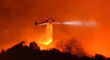 Εκκενώθηκαν περιοχές στη Σάντα Μπάρμπαρα που απειλούνται από μεγάλη πυρκαγιά