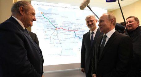Ρωσία: Ο Πούτιν εγκαινίασε τον αυτοκινητόδρομο Μόσχα