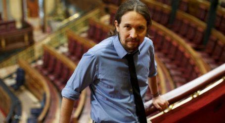 Το κόμμα των Podemos ενέκρινε τον σχηματισμό κυβέρνησης με τους Σοσιαλιστές