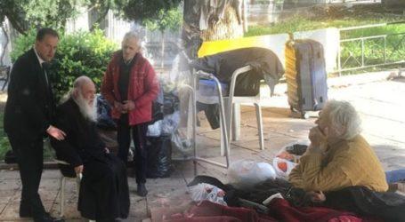 """Ο Αρχιεπίσκοπος """"υιοθέτησε"""" τους αστέγους του Κεραμεικού"""