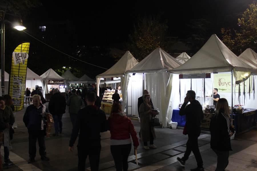 Πλημμύρισε κρητικά αρώματα το κέντρο της Λάρισας - Το Σάββατο τελικά τα εγκαίνια της έκθεσης (φωτο)