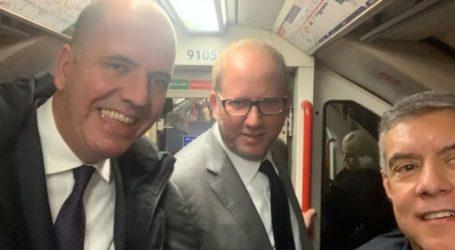 Στο μετρό του Λονδίνου Αγοραστός – Δερβένης