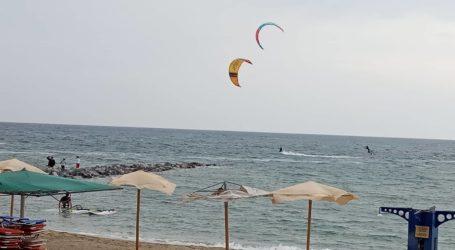 Βόλος: «Πίστα» για kitesurf σήμερα ο Παγασητικός [εικόνες]
